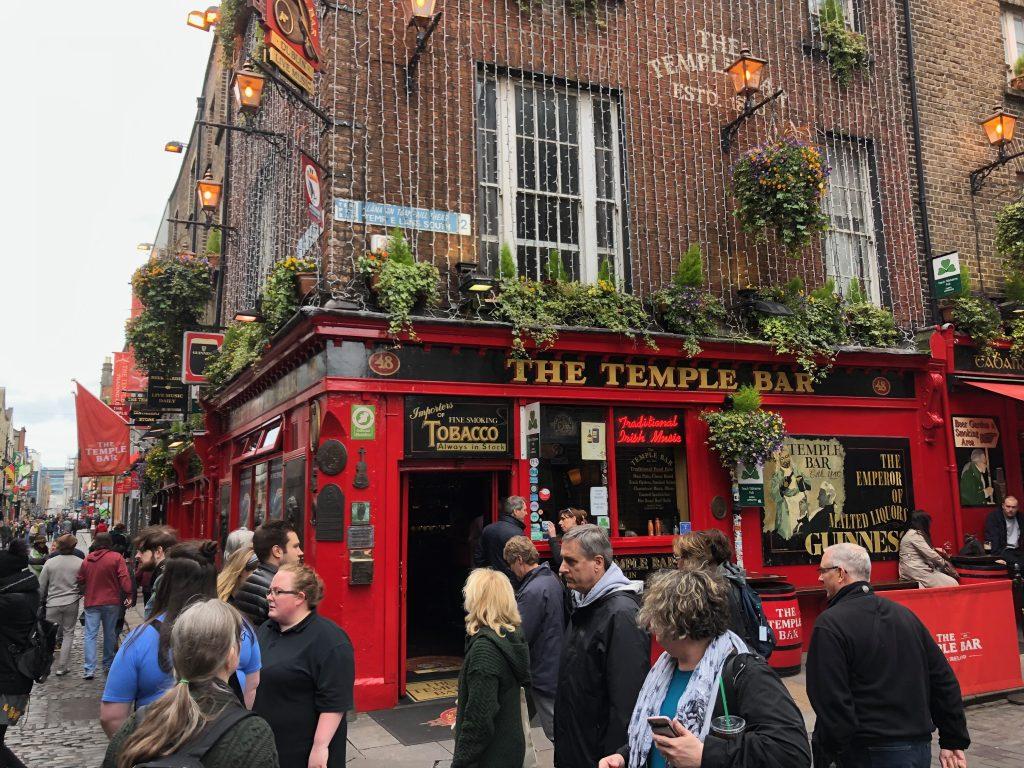 Template bar pub